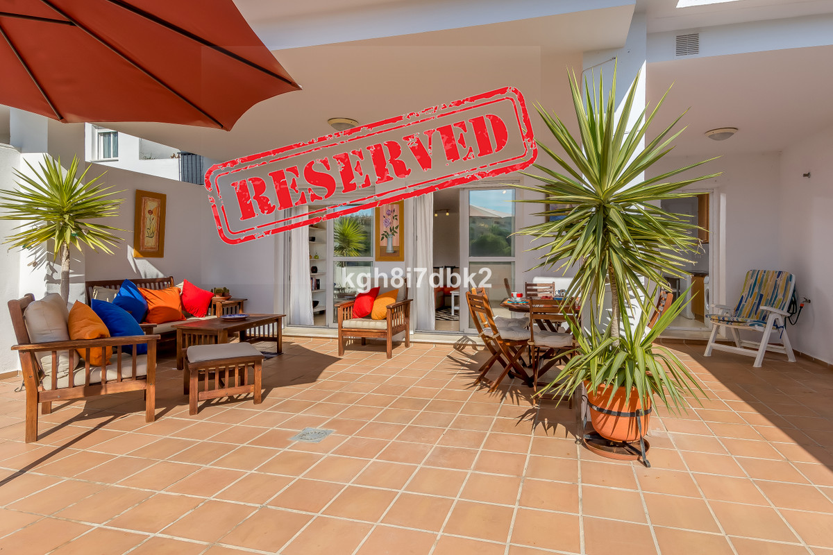 Spacious 2 bed/2 bath in Riviera del Sol. Elevated ground floor. 116m2 built + 46m2 south facing ter,Spain