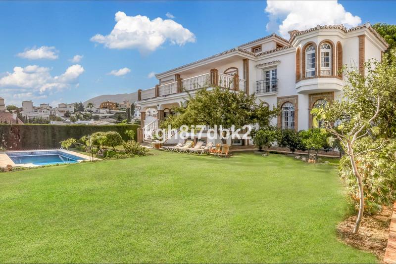 Marbella Banus Villa – Chalet en venta en Benalmadena – R2249663