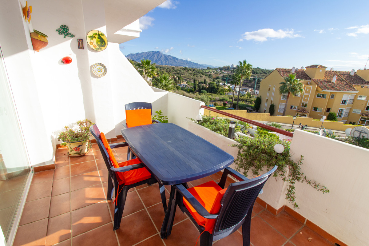 Fully furnished , lovely and bright apartment in a quiet gated community. This property is immaculat,Spain