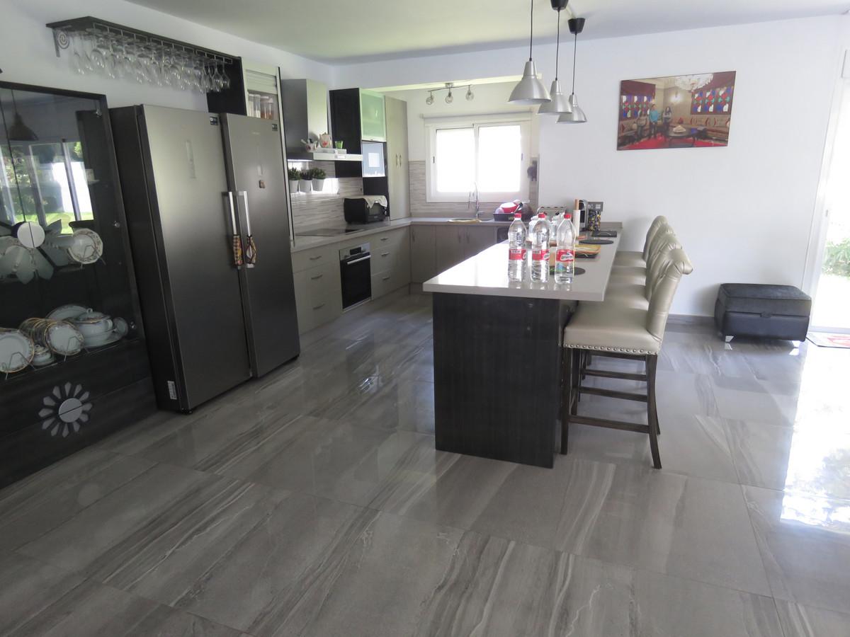 Villa – Chalet en Venta en Cabopino – R3695069