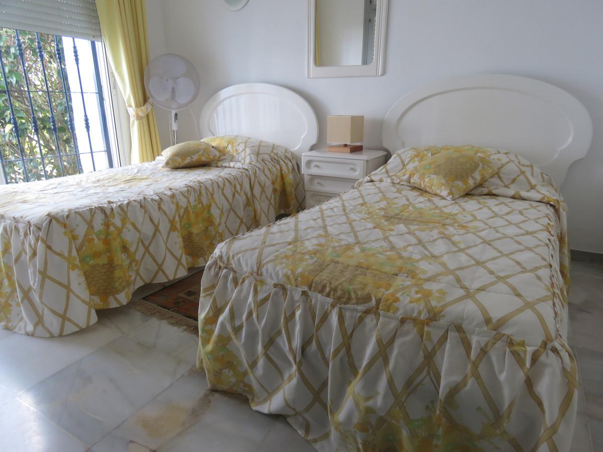 Apartamento en Venta en Calahonda – R3421591