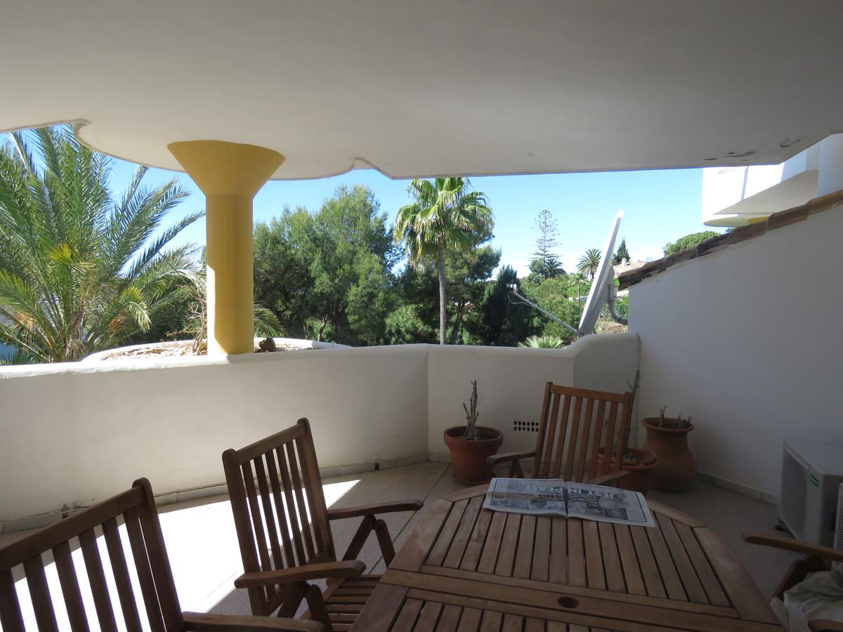 Apartamento en Venta en Calahonda – R3421597