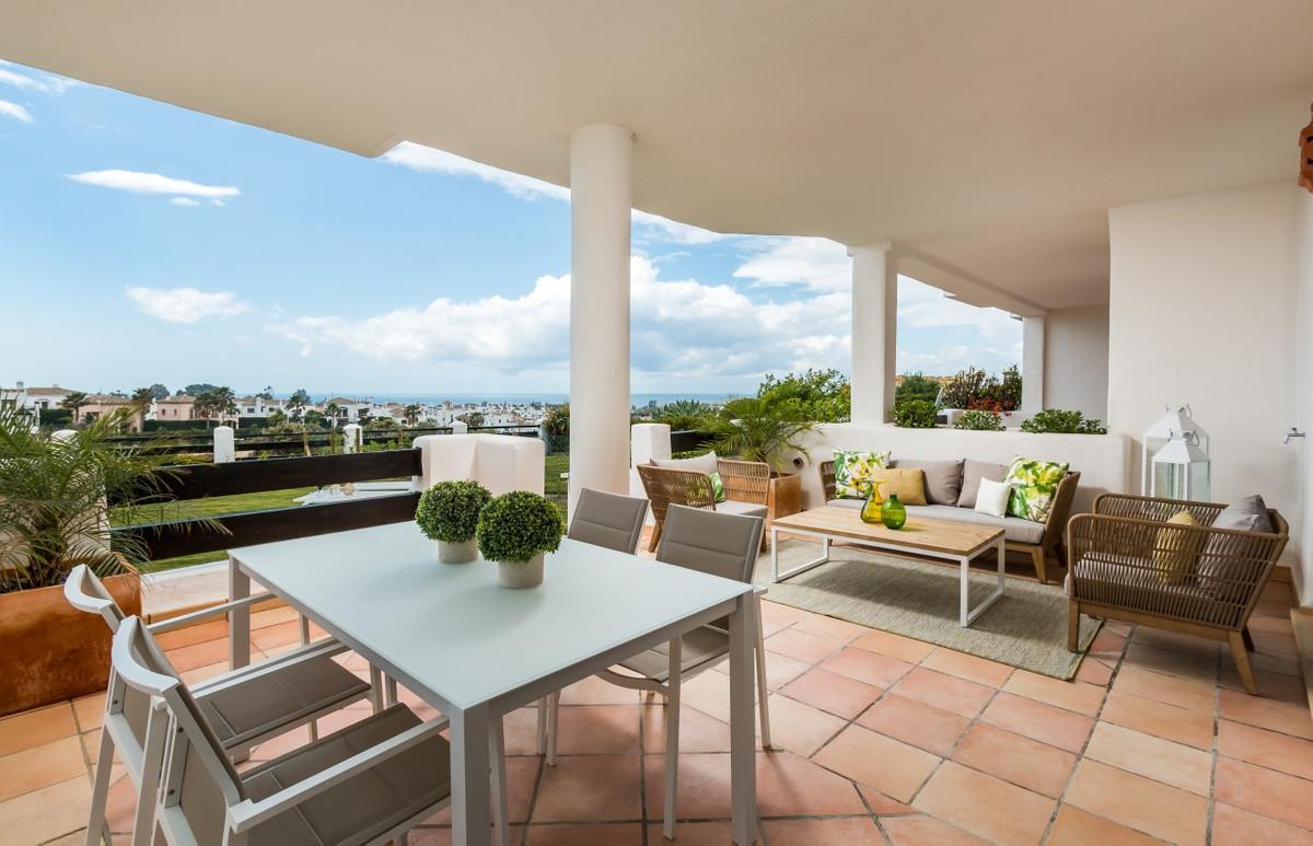 Apartment in Estepona R3304864 11