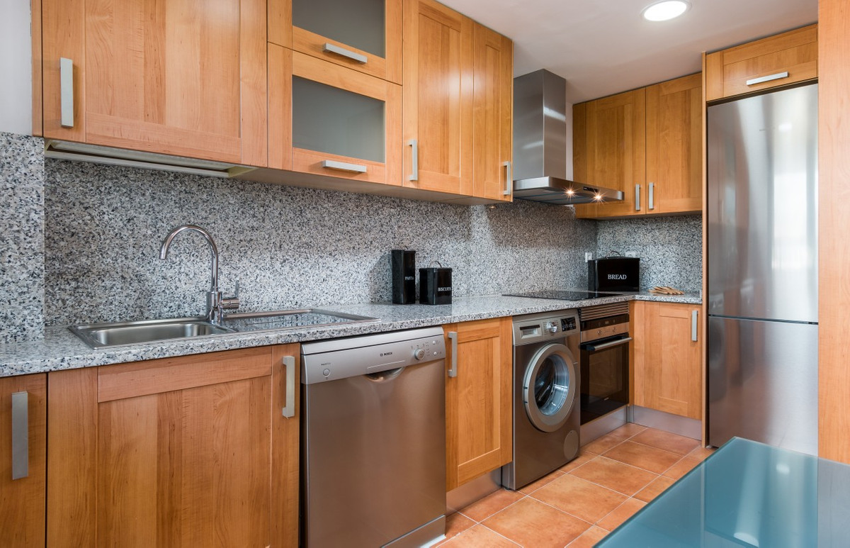 Apartment in Estepona R3304864 17