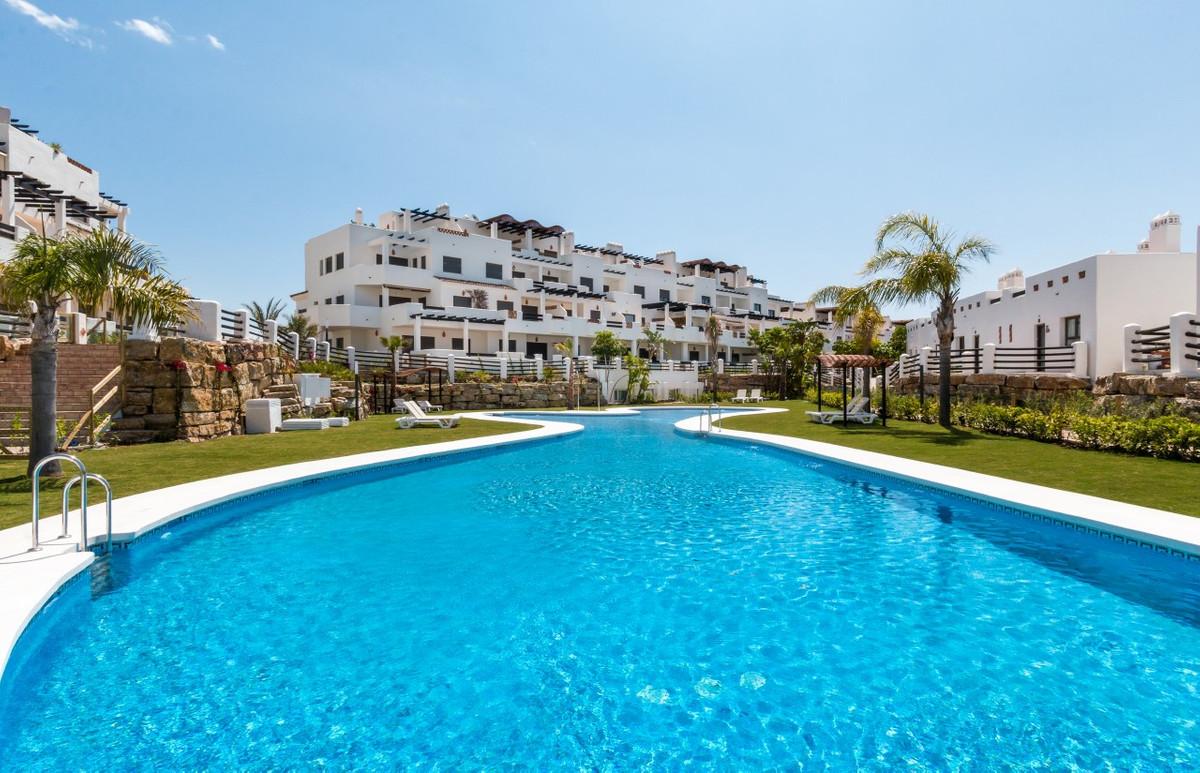 Apartment in Estepona R3304864 2
