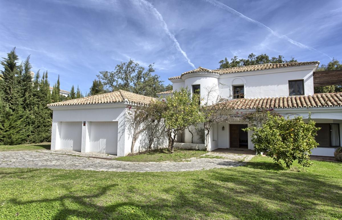 Villa 6 Dormitorios en Venta San Roque