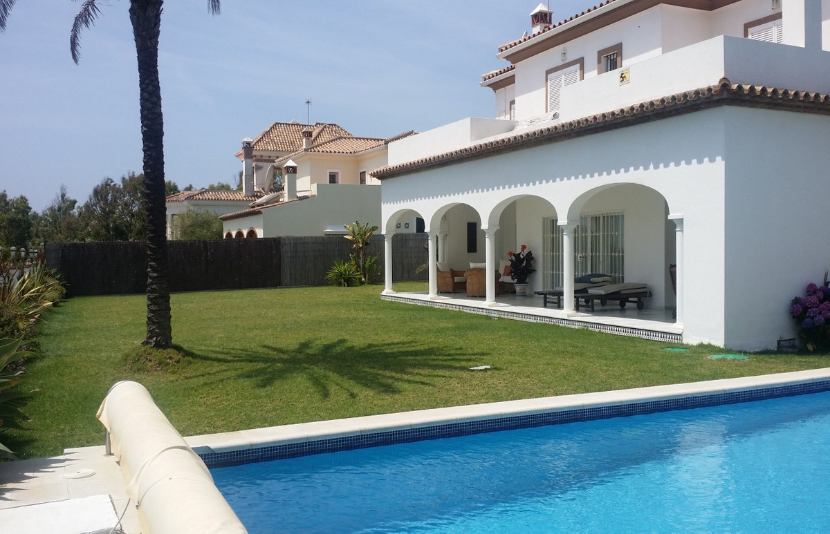 Villa for sale in Punta Chullera, Costa del Sol