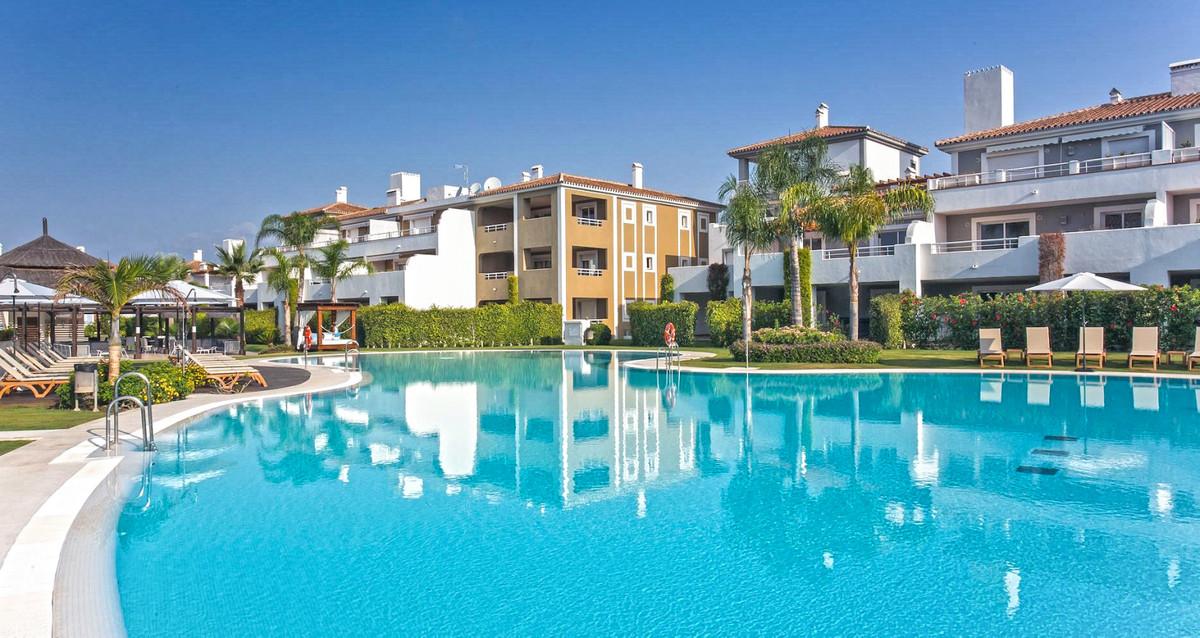 Marbella Banus Apartamento Planta Baja en Venta en El Paraiso – R3480865