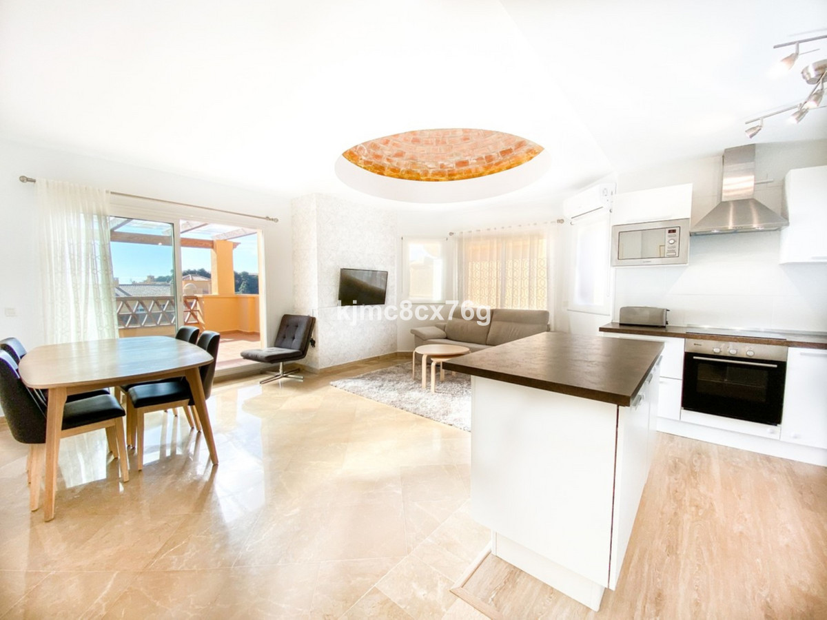 Beautiful renovated penthouse with spectacular views in Calahonda  This bright one-bedroom apartment,Spain