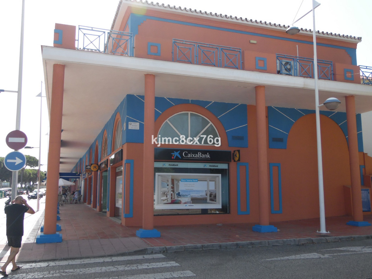 For sale double local with 130 m2 in Los Jarales de Calahonda, excellent commercial location with bu, Spain