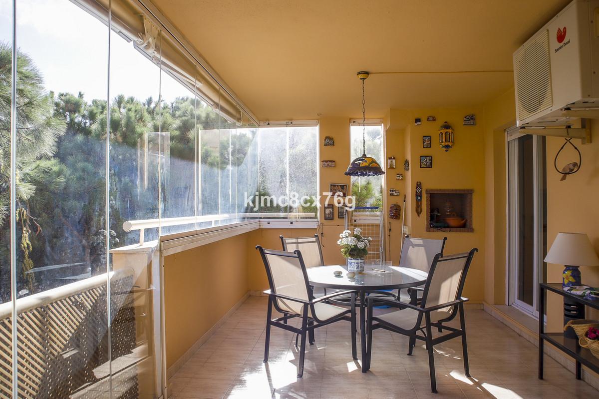 Marbella Banus Apartamento Planta Media en Venta en Calahonda – R3759271