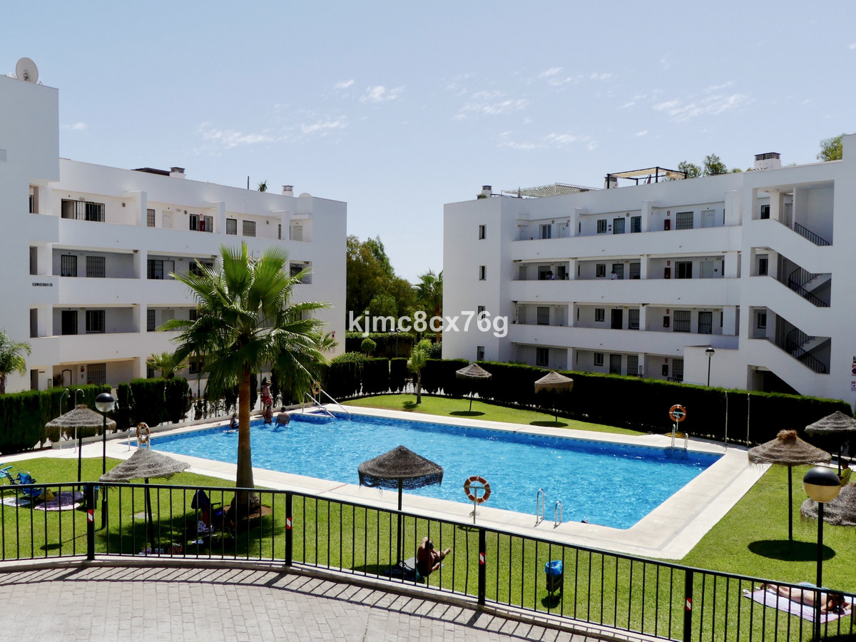 REDUCED FROM € 199,000 TO  €  165,000 FOR A QUICK SALE, GROUND FLOOR FLAT FOR SALE WITH PRIVATE GARD, Spain
