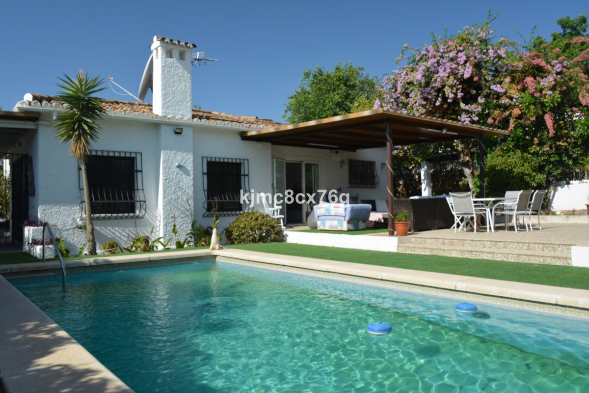 Great individual villa in the residential area of El Pinillo.  Very private and bright, the property, Spain
