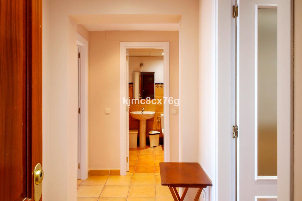 Apartamento en Venta en Calahonda – R3785218