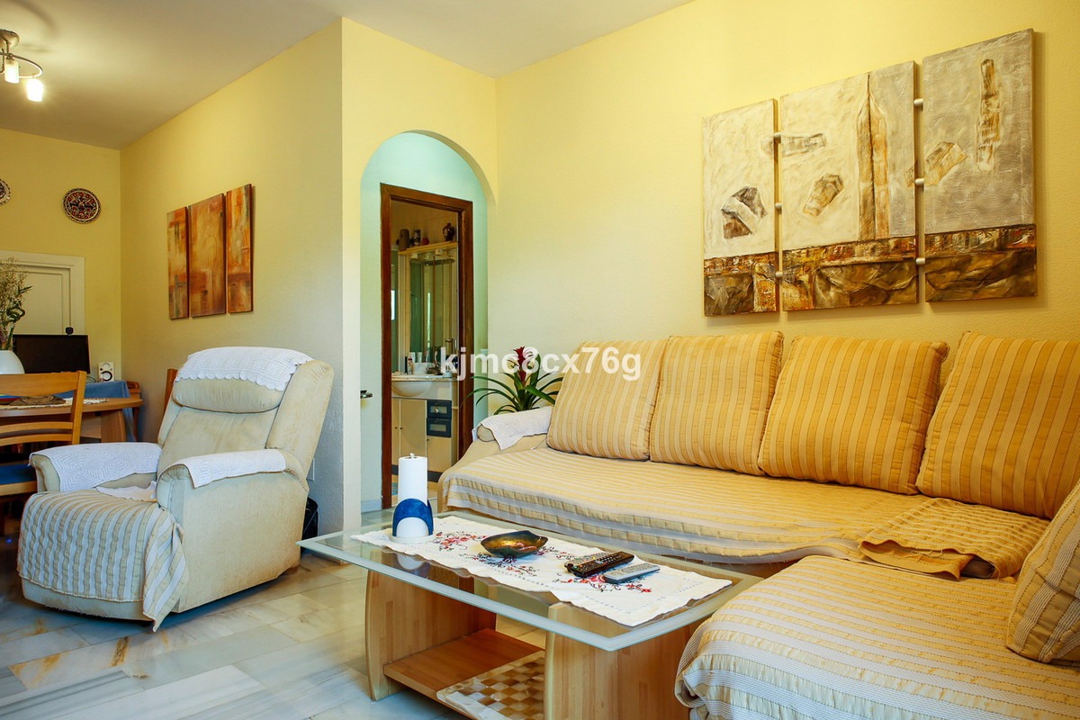 Apartamento en Venta en Calahonda – R3823030