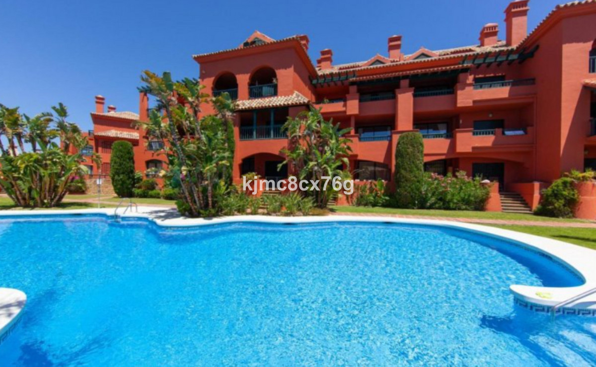 FOR SALE; BEAUTIFUL, SPACIOUS AND BRIGHT FLAT WITH PANORAMIC VIEW IN CALHONDA MIJAS COSTA.  This fla, Spain