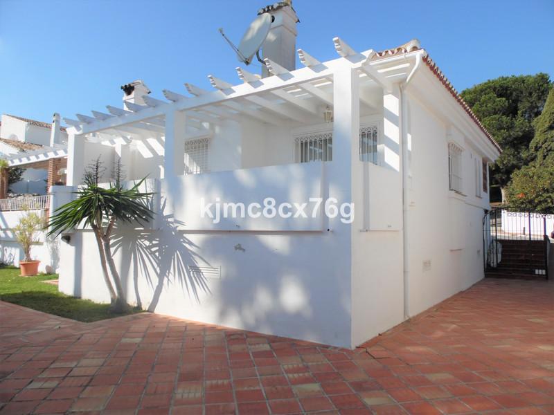 Marbella Banus Pareada a la venta en Cerros del Aguila – R3574462