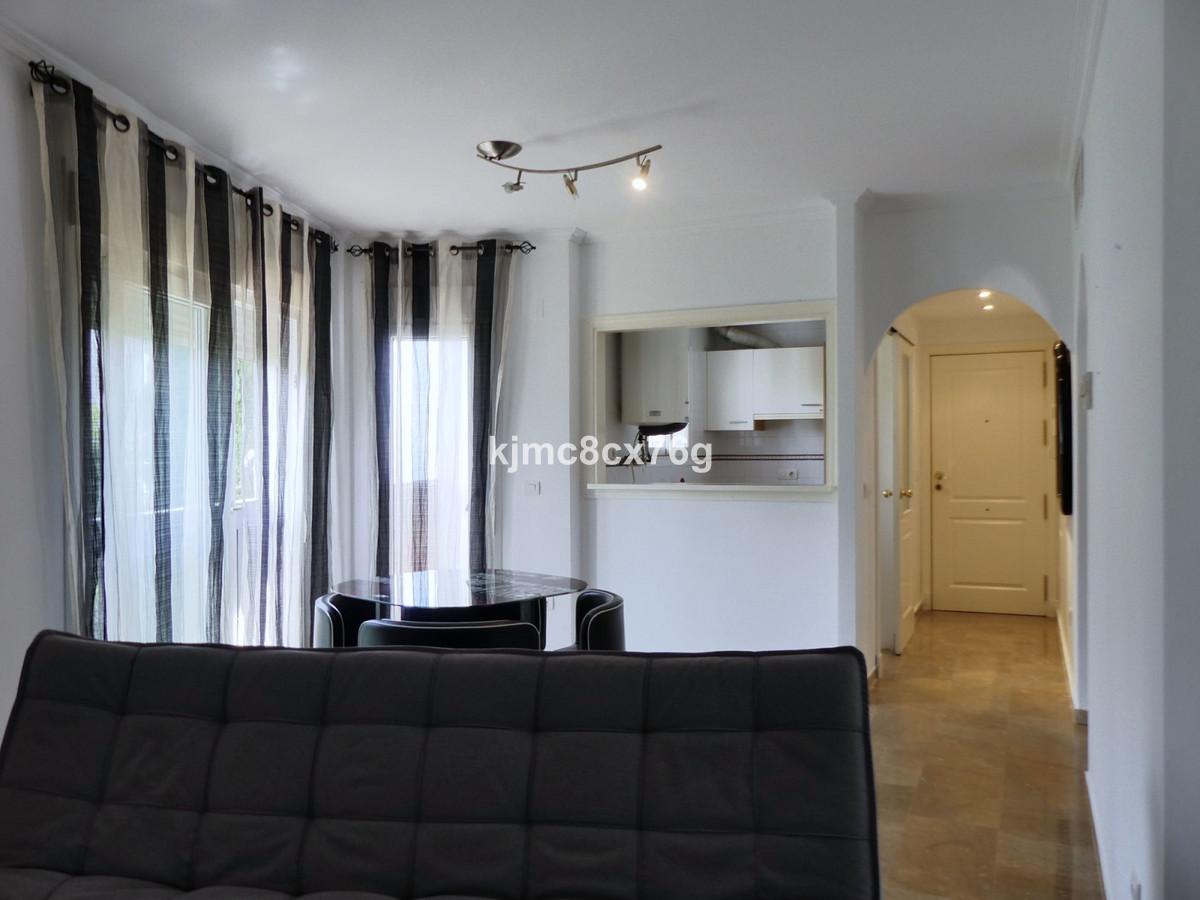 Apartamento en Venta en Calahonda – R3649427