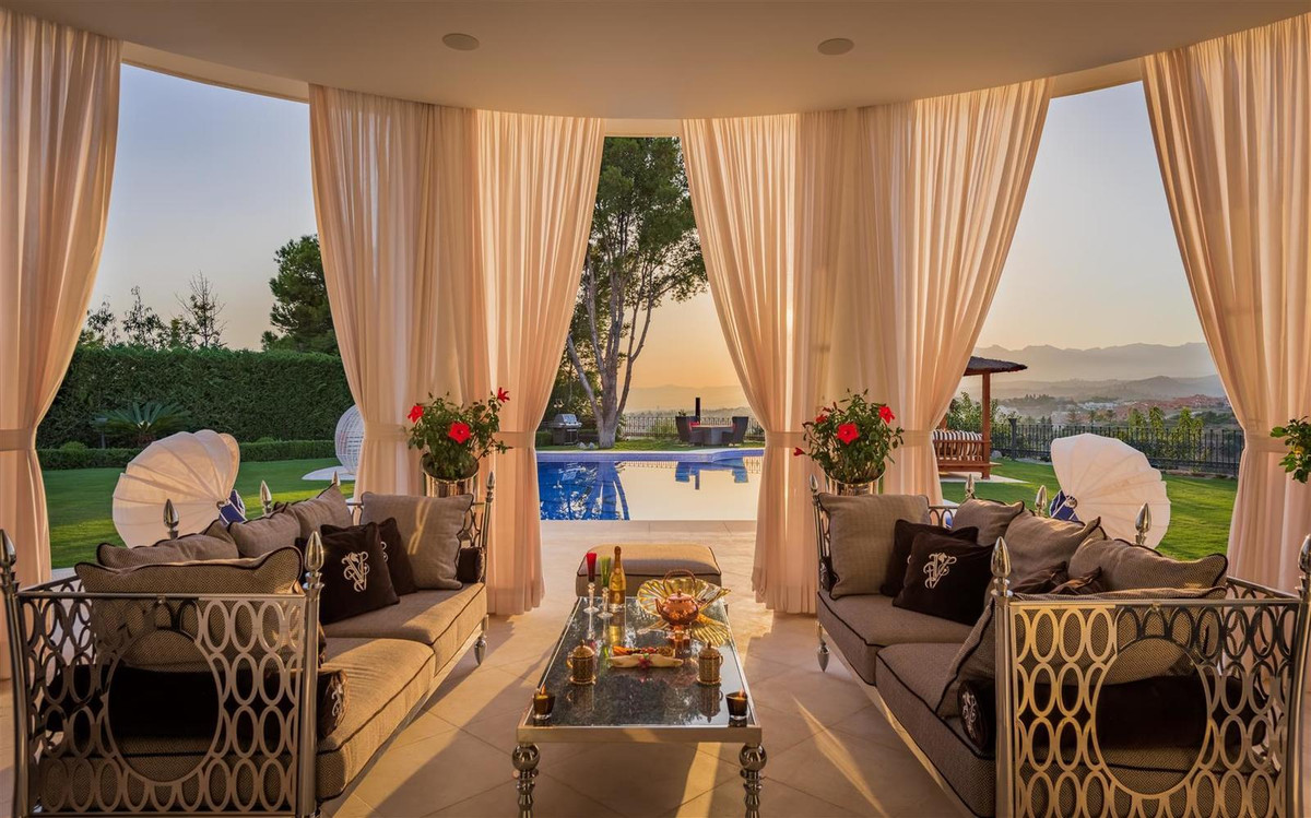 Villa con 7 Dormitorios en Venta Las Chapas