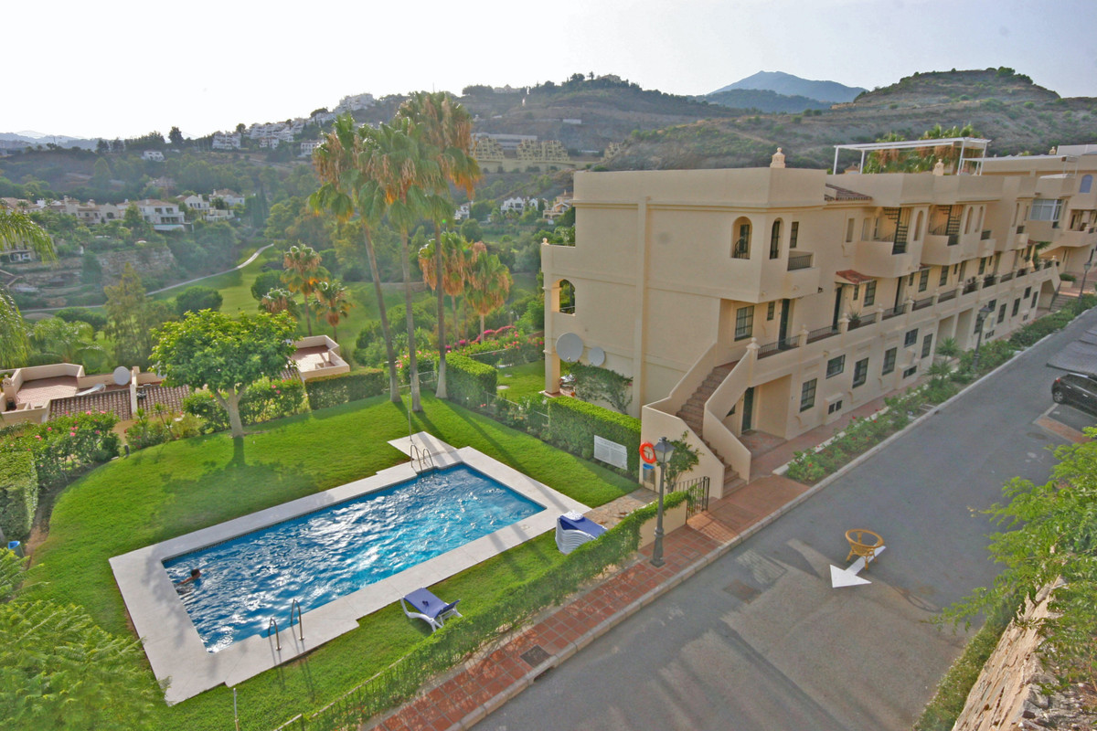 We are please to offer this spacious 3 double bedroom ground floor apartment with fabulous south wes,Spain