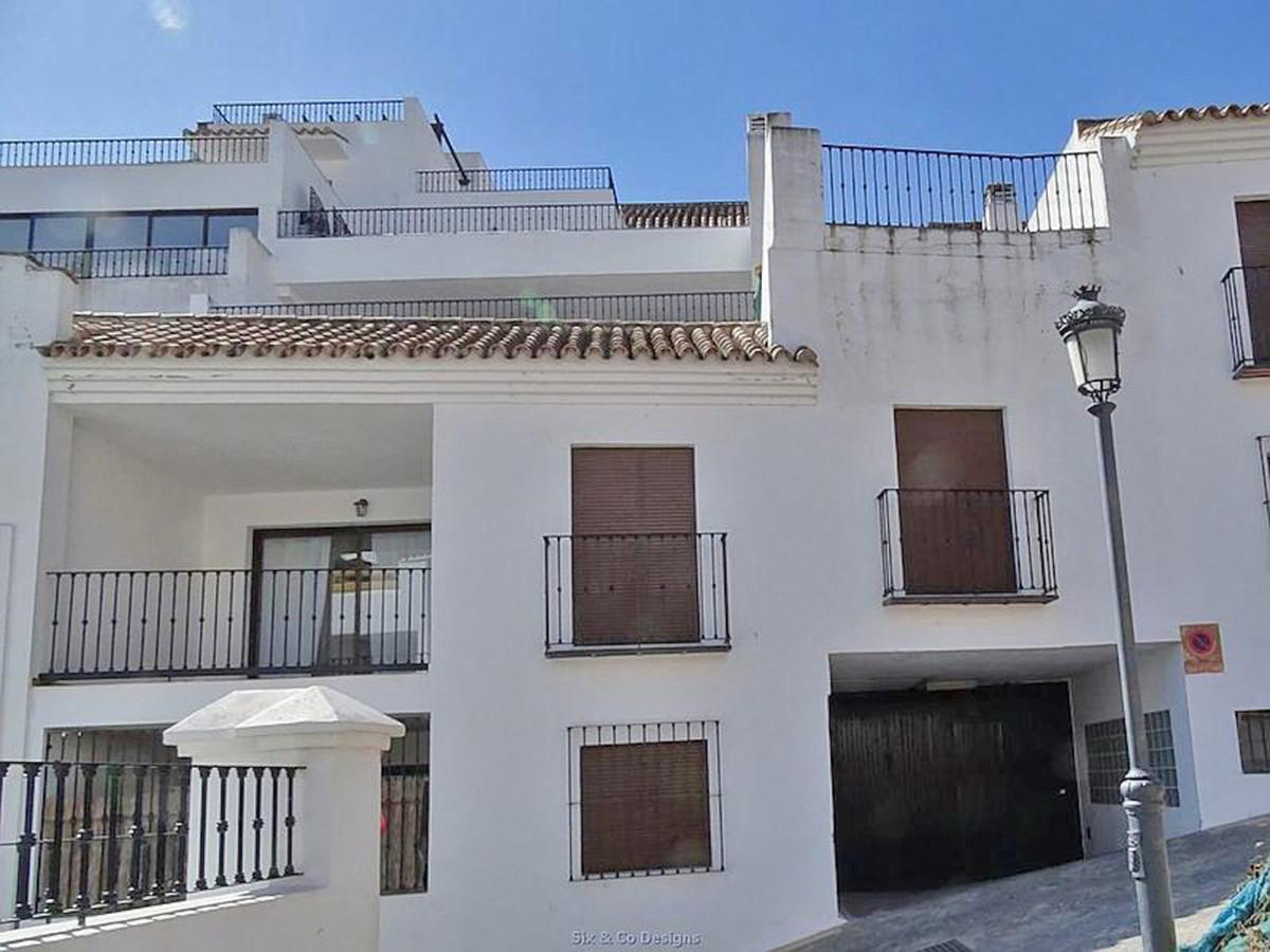 Marbella Banus Ático en Venta en Benahavís – R3837439