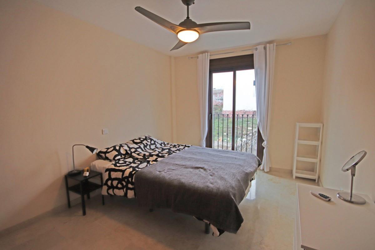 R3837439 | Penthouse in Benahavís – € 205,000 – 3 beds, 2 baths