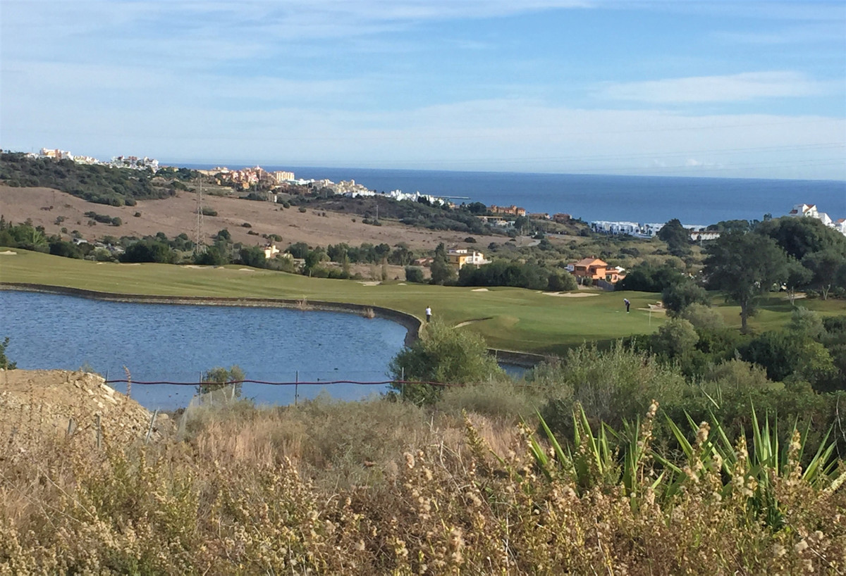 Consolidated residential urban villa plot located in Valle Romano Golf resort in Estepona. A frontli, Spain