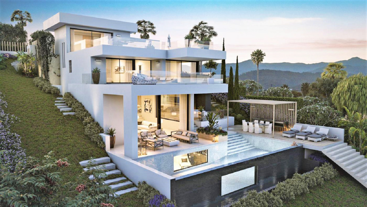 Frontline Aloha Golf Villa Project in Marbella sold with project and build licenses approved with Ma,Spain