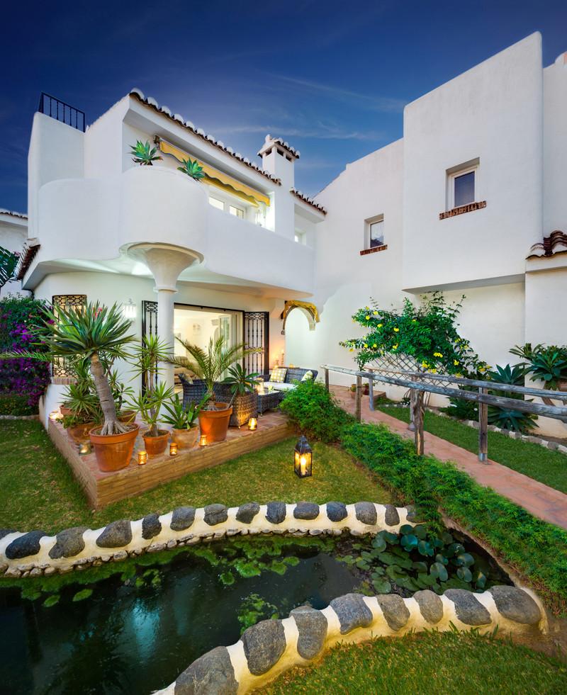 Marbella Banus Adosada a la venta en La Cala de Mijas – R3303835