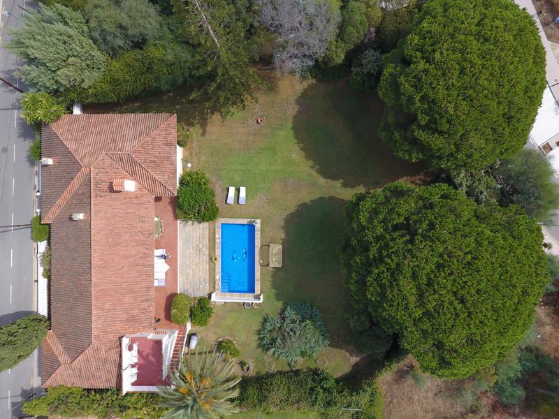 Villa – Chalet en venta en Elviria – R3552106