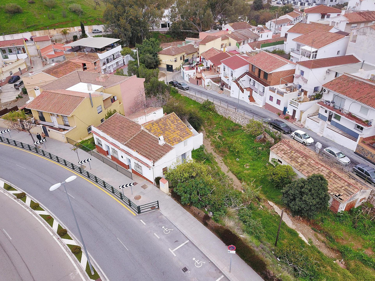 Fantastic opportunity.  Building plot of 1015m2 with permission to build a development of 5 flats wi,Spain
