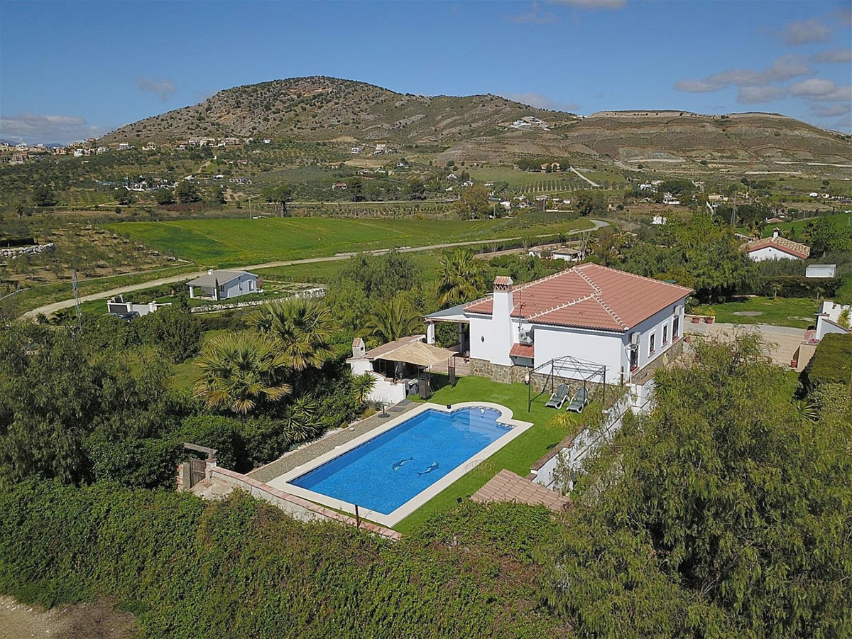 Lovely country house with pool, situated between Coin and Alhaurin el Grande, offering good access, ,Spain