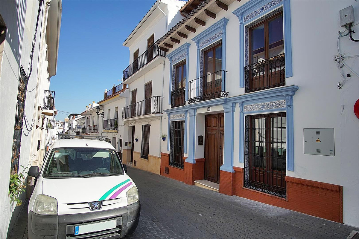 5 bedrooms, patio and roof terrace. It is one of a kind!  Authentic and traditional town house locat,Spain