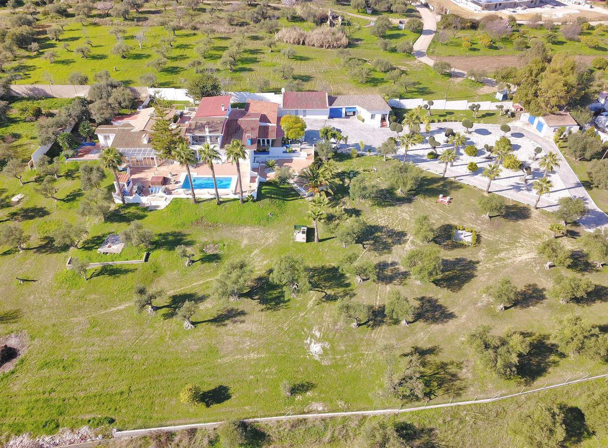 Recently reduced from 1.600.000 Euros to 1.295.000 Euros!   Located in a privileged area, close to t,Spain