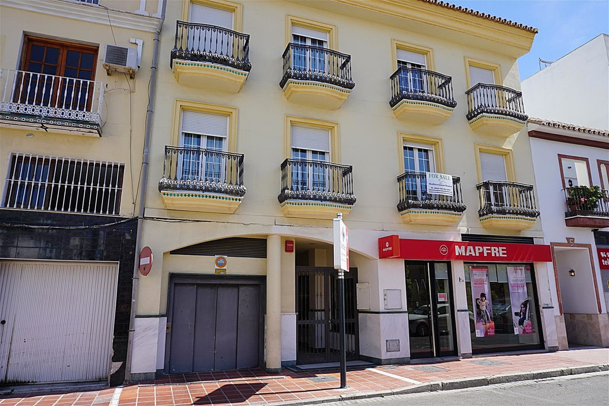 Top Floor Apartment for sale in Coín