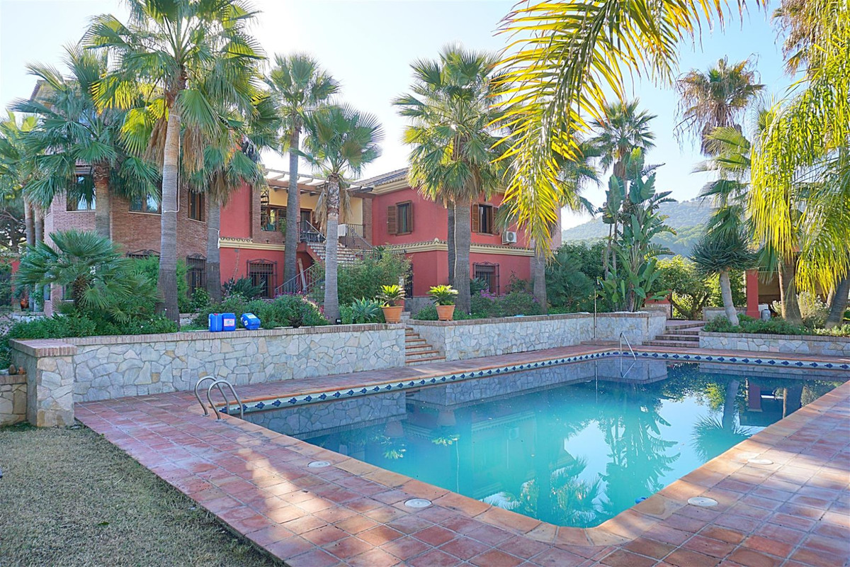Beautiful finca style property situated on the outskirts of Coin benefiting from excellent road acce,Spain