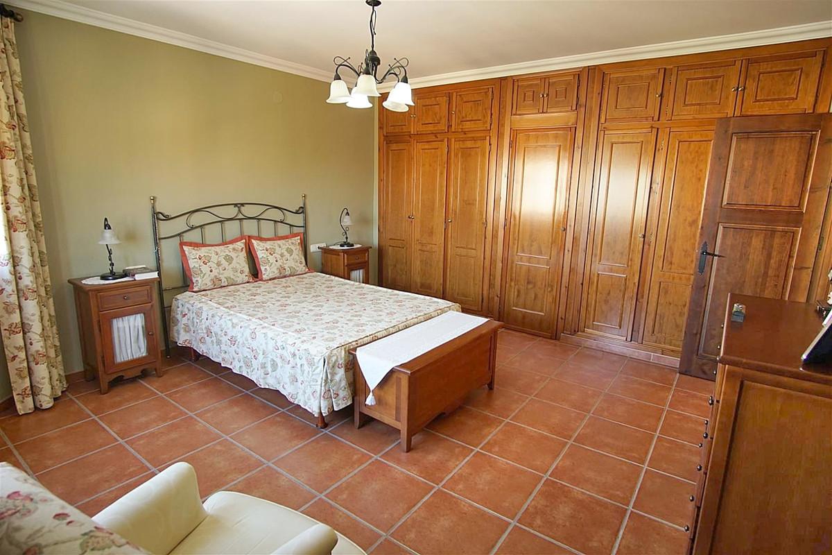 House in Alhaurín de la Torre R3523450 19