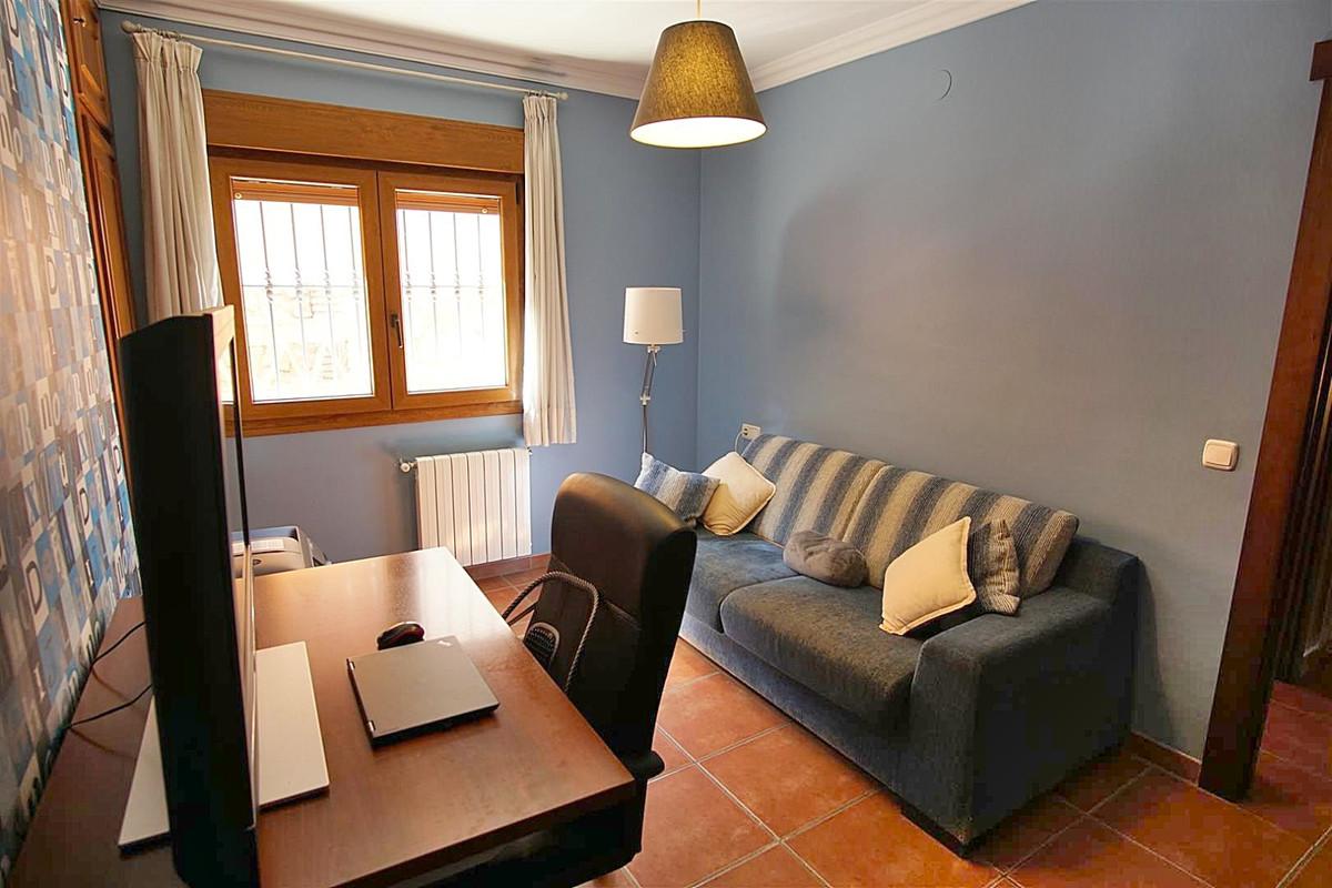 House in Alhaurín de la Torre R3523450 29
