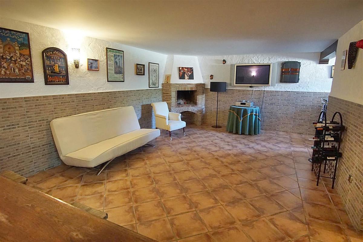House in Alhaurín de la Torre R3523450 32