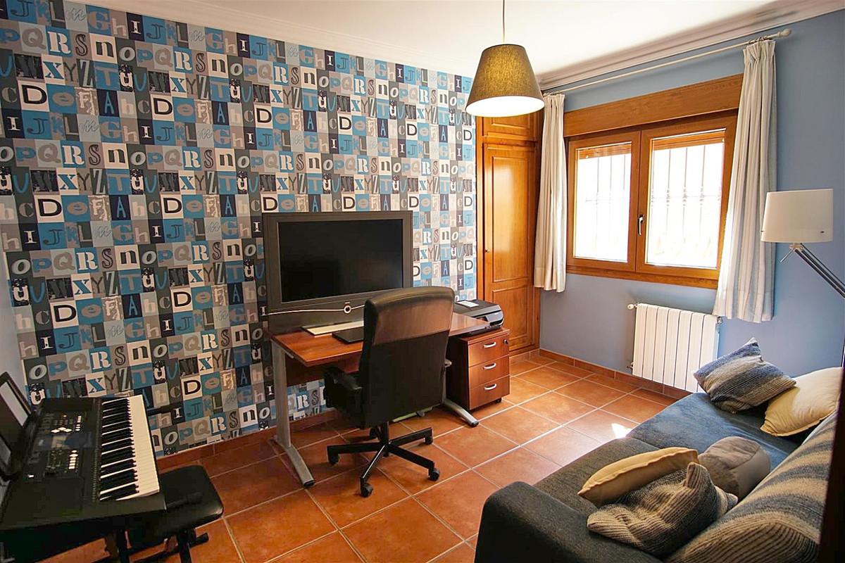 House in Alhaurín de la Torre R3523450 33