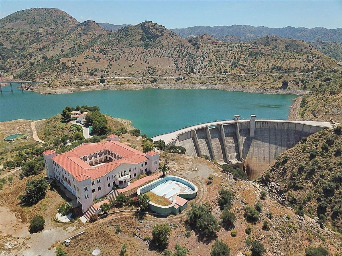 Finca Pantano Casasolas is a stunning property overlooking the Casarsola Dam with spectacular views ,Spain