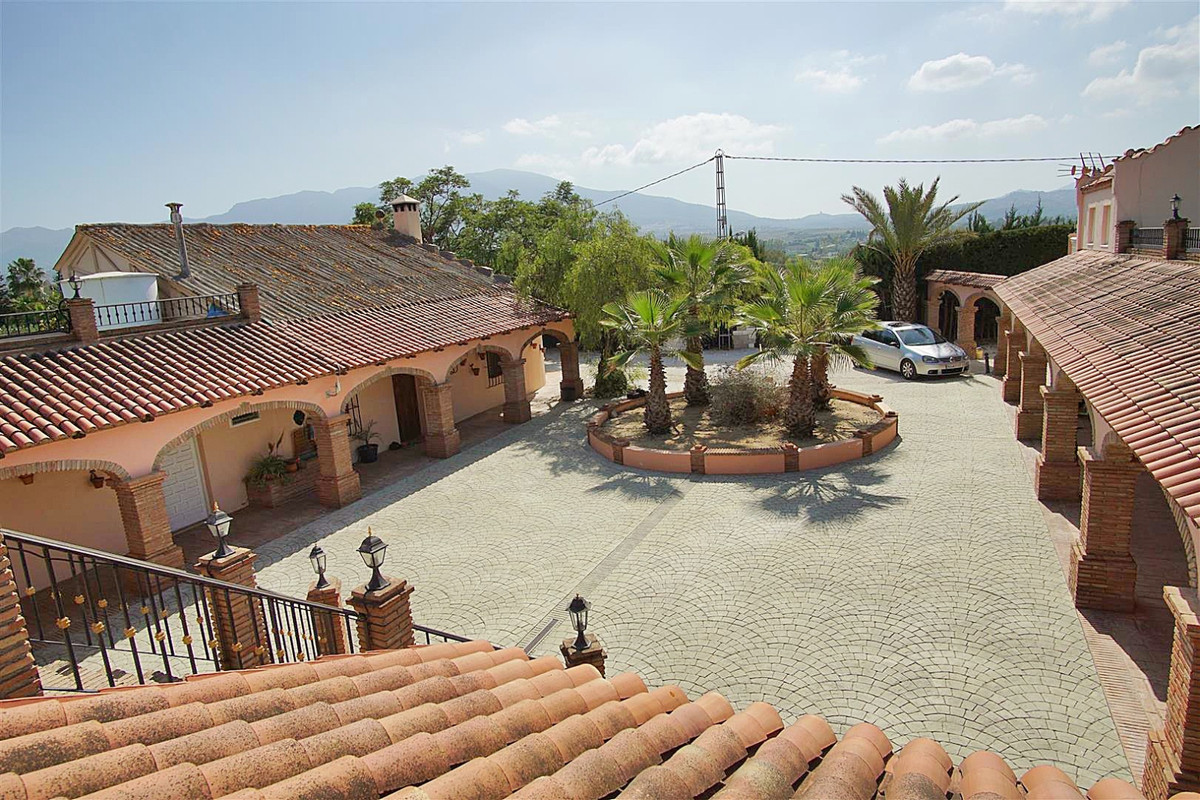 Great investment opportunity in Alhaurin El Grande, ideal for a hotel boutique or a bed and breakfas,Spain