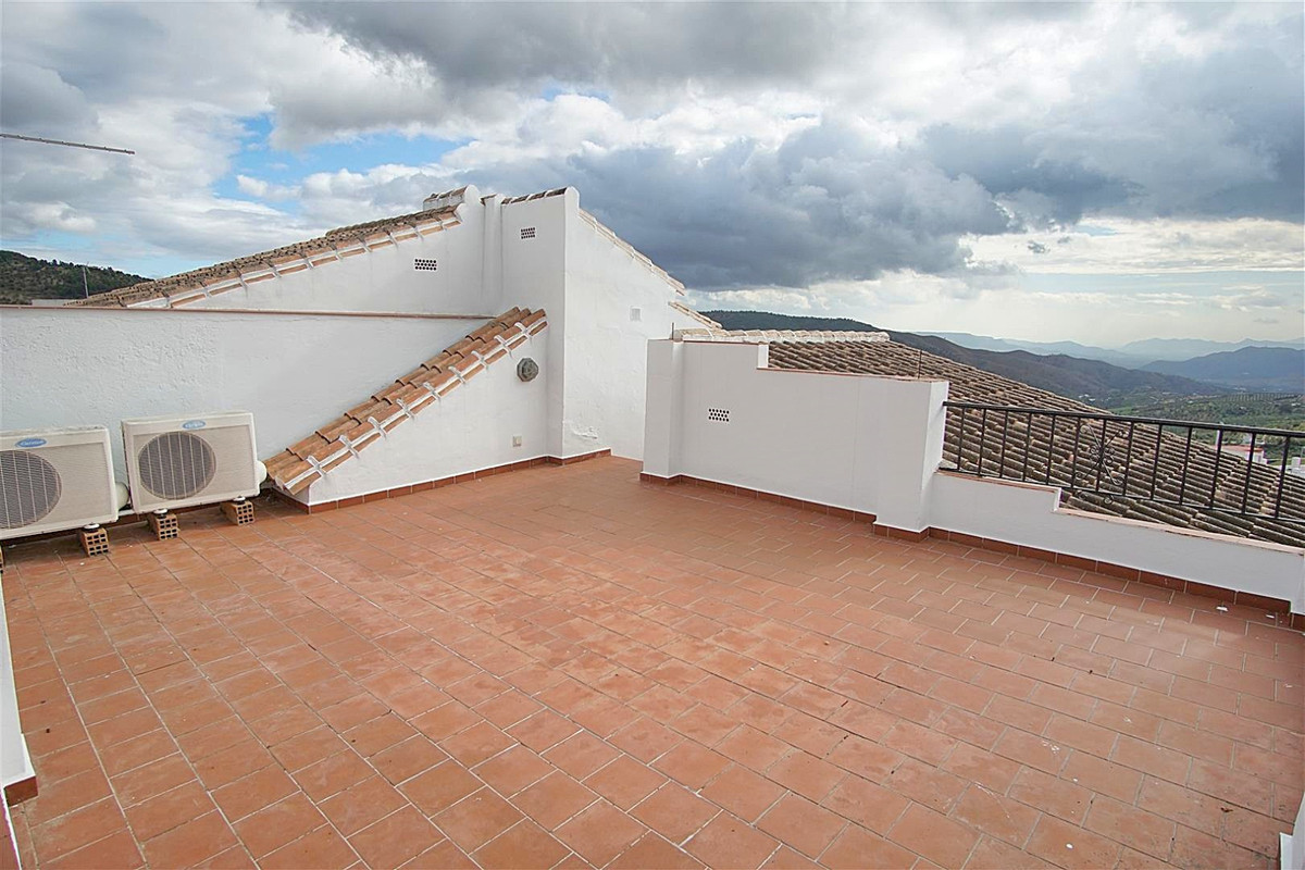Beautifully refurnished townhouse offering panoramic views located in the heart of Casarabonela.   T, Spain