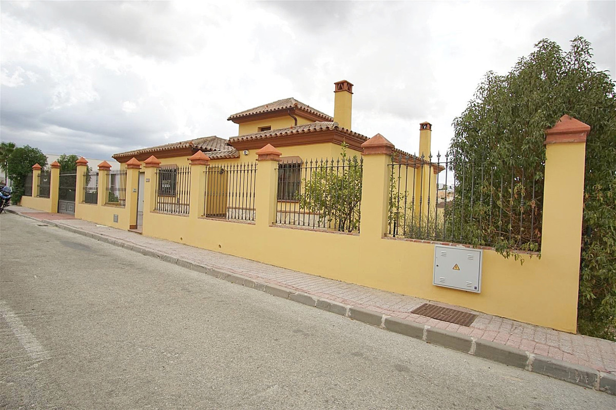 Very spacious detached villa recently reduced from 385.000 Euros. It would make a beautiful large fa, Spain