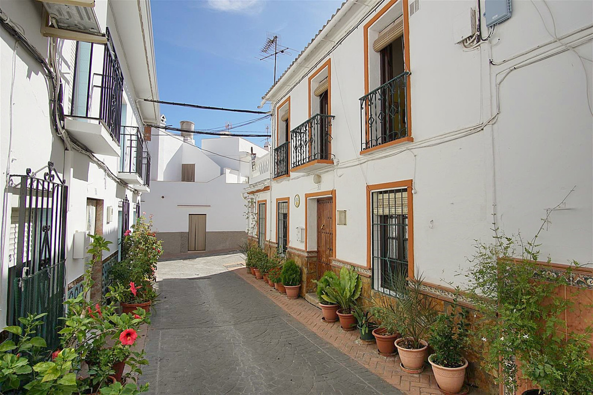 3 bed, 3 bath Townhouse - Terraced - for sale in Guaro, Málaga, for 129,000 EUR