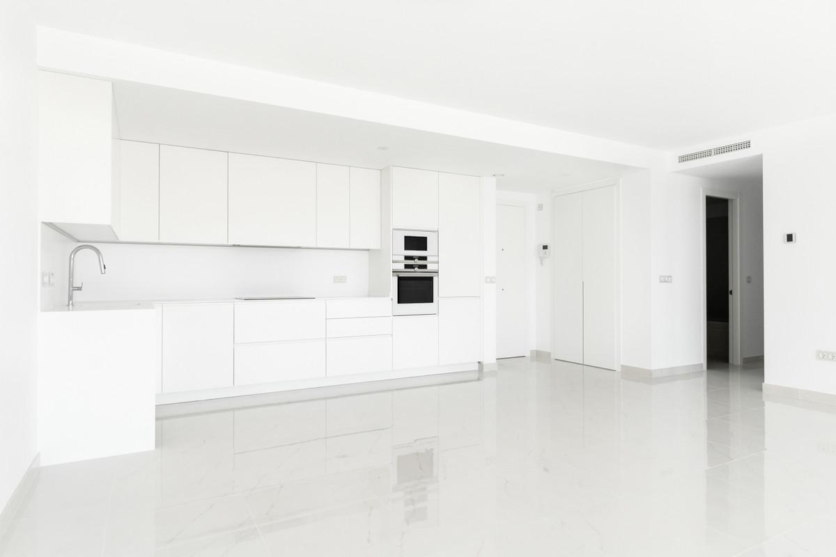 Apartamento en Venta en Atalaya – R3759574