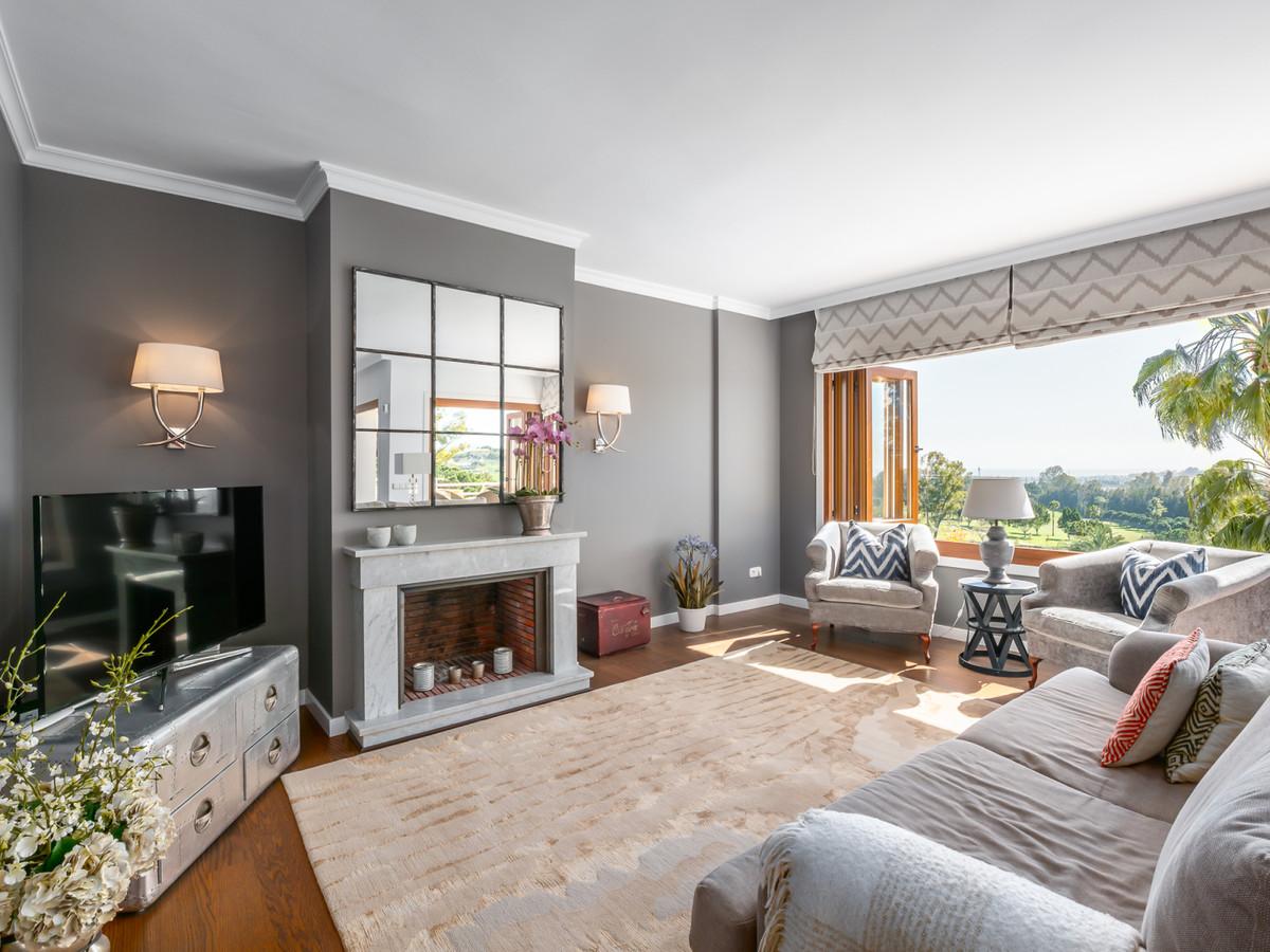 R3393766 | Penthouse in Nueva Andalucía – € 1,000,000 – 3 beds, 3 baths