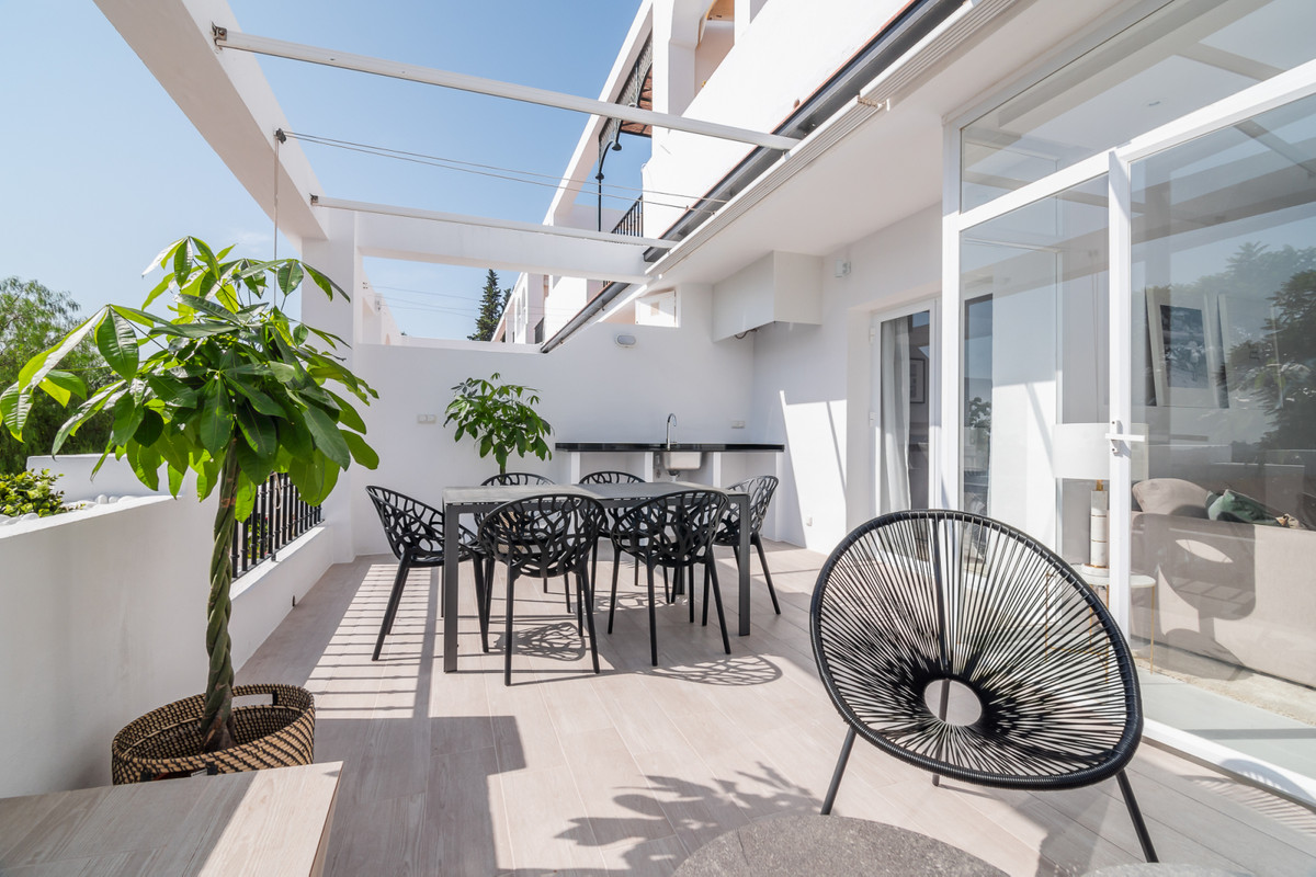 Newly totally refurbished apartment with 3 bedrooms and 2 bathrooms. Open floor plan and a large ter,Spain