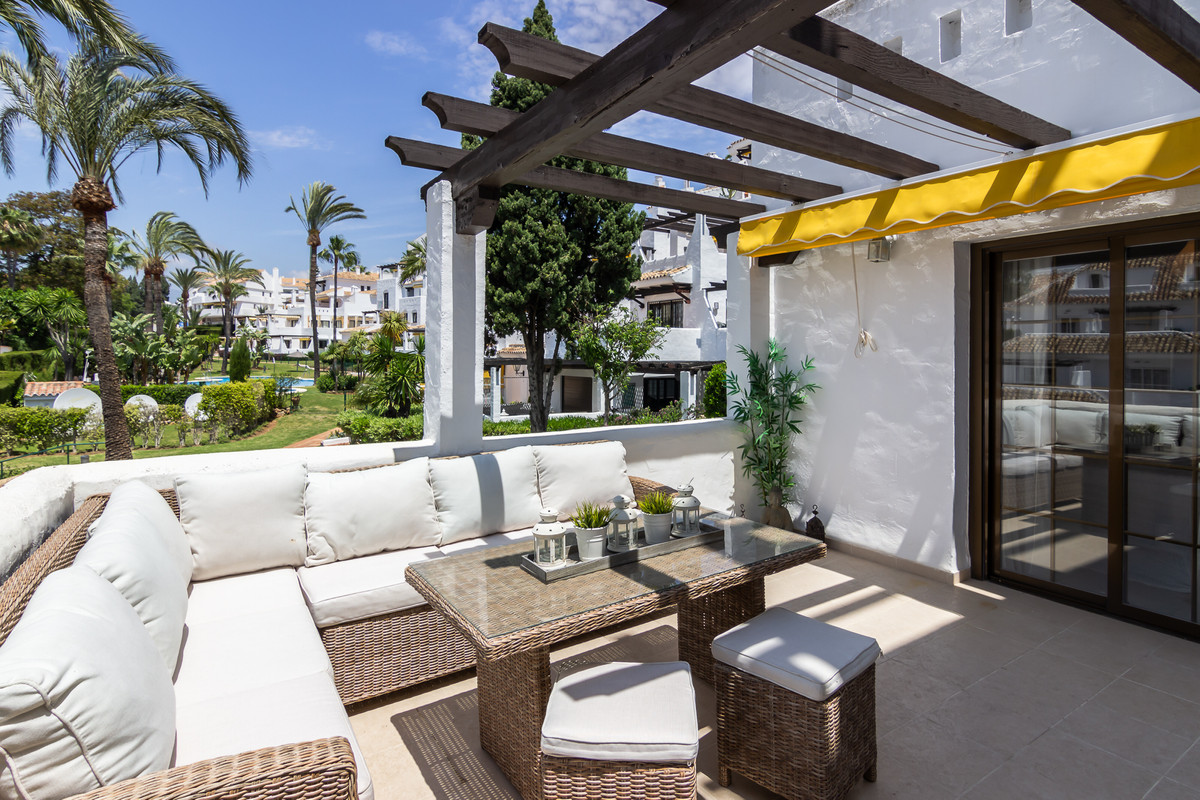 Welcome to this beautiful apartment in stunning Aldea Blanca! This 2 bedroom apartment is light and ,Spain