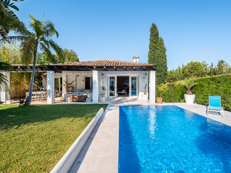 Villas for sale in Guadalmina 17